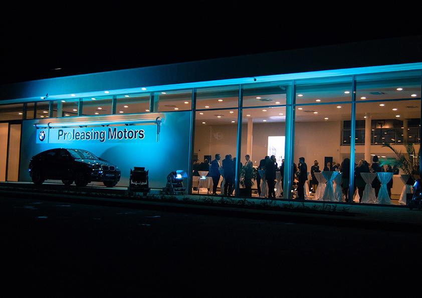 Jazz Night Out, sau cand muzicienii transforma un showroom auto in sala de spectacol