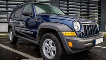 Jeep Cherokee Autoutilitara 4 locuri cutie automata 2005