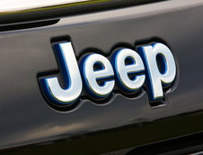 Jeep Compass si Renegade 4Xe
