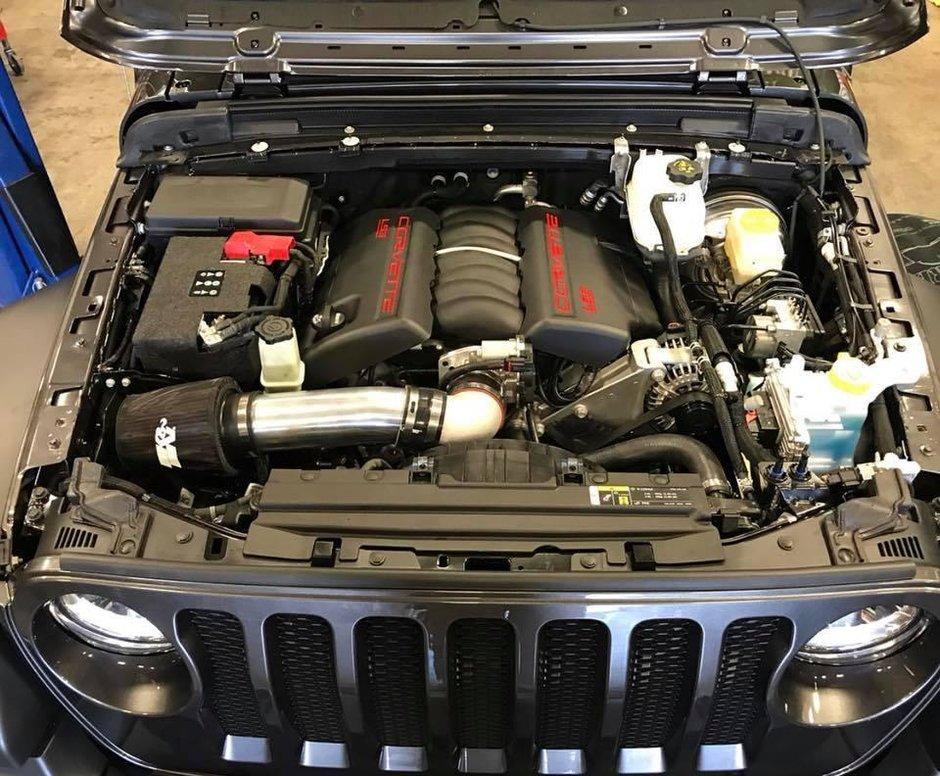 Jeep Wrangler cu motor V8