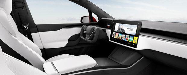 Jumatatea de volan a noii Tesla Model S i-ar putea face probleme constructorului. Autoritatile au intrat pe fir