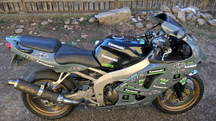 KAWASAKi ninja zx 6 r variante MOTO/AUTO