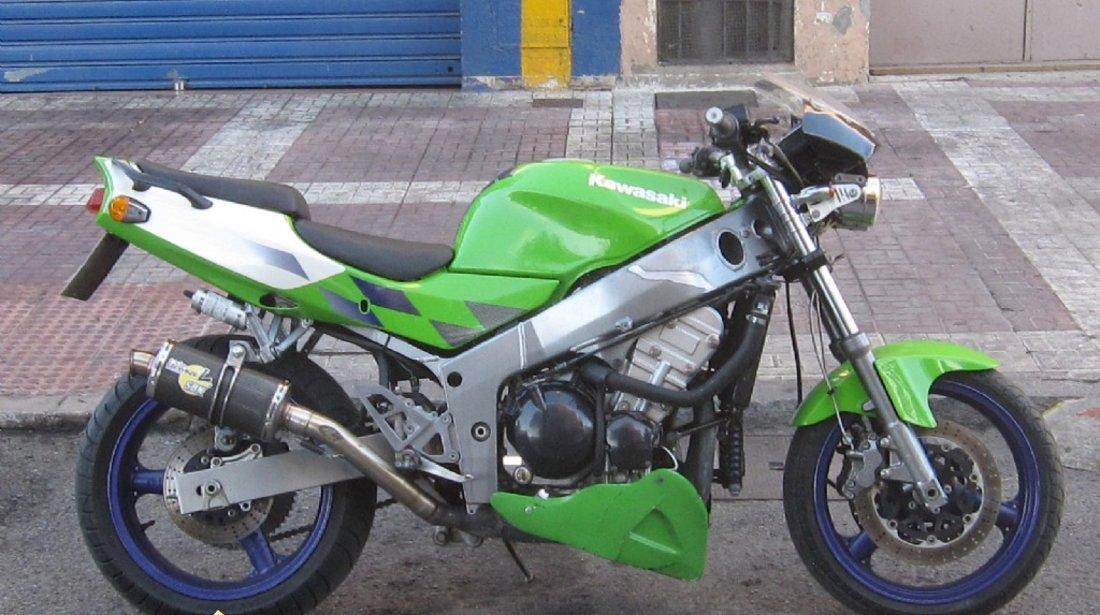 Kawasaki ninja zx 600 r naked 98 modificata stund bike