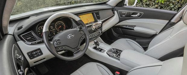 Kia K900: Cum arata limuzina care vrea sa concureze Mercedes-ul S-Class