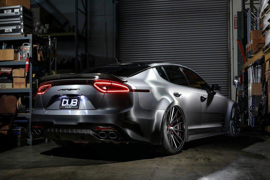 Kia Stinger GT de la DUB