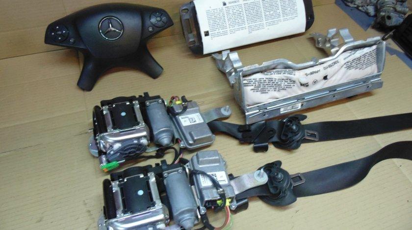 Kit Airbag-uri + centuri Mercedes C Class W204 2009