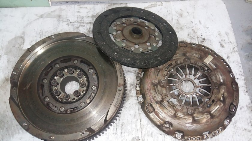 Kit ambreiaj 2adfhv 2ad-fhv 220d 200d ale20 lexus is 2 e2 2005-2012 130 kw 177 cp 134500w060