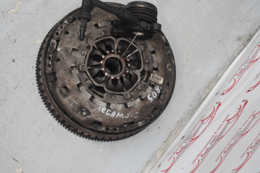 Kit ambreiaj cu volanta LUK Renault Megane 2 1.9 DCI 6 trepte 508
