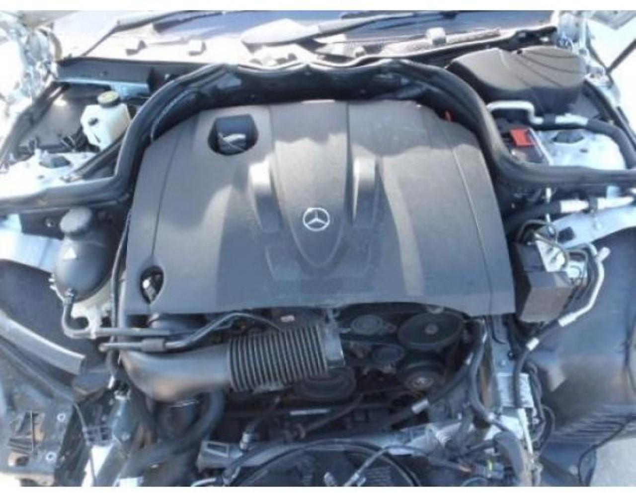 Kit ambreiaj Mercedes C-CLASS W204 2008 Berlina 2.2