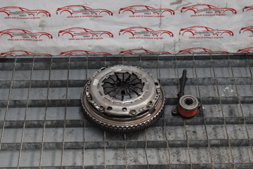 Kit ambreiaj Nissan Qashqai 1.2 DIG-T 302100495R 8