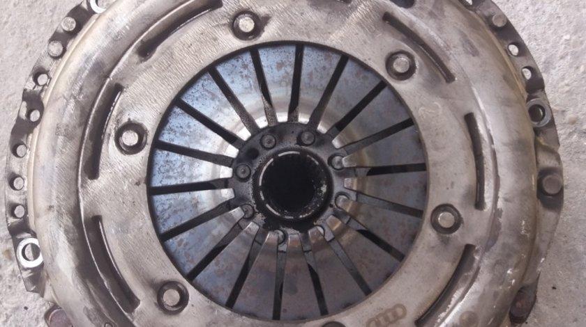 Kit ambreiaj Placa+disc+Volanta Audi A4 B8 CJCA An 2012 Cod 2289000255 Cod 0B1141015b