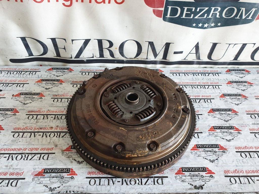 Kit ambreiaj VW Jetta Mk4 1.6i 102 cai motor BFQ cod piesa : 027105273D
