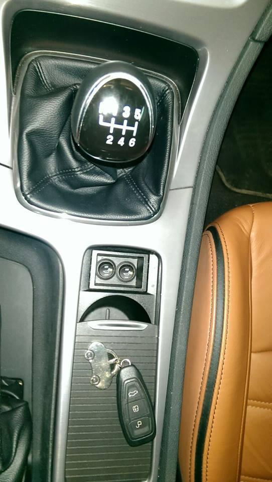 Kit Incalzire Scaune Carbon Butoane 2 Pozitii FORD Focus Mondeo Fiesta Kuga Transit Galaxy S Max Ka
