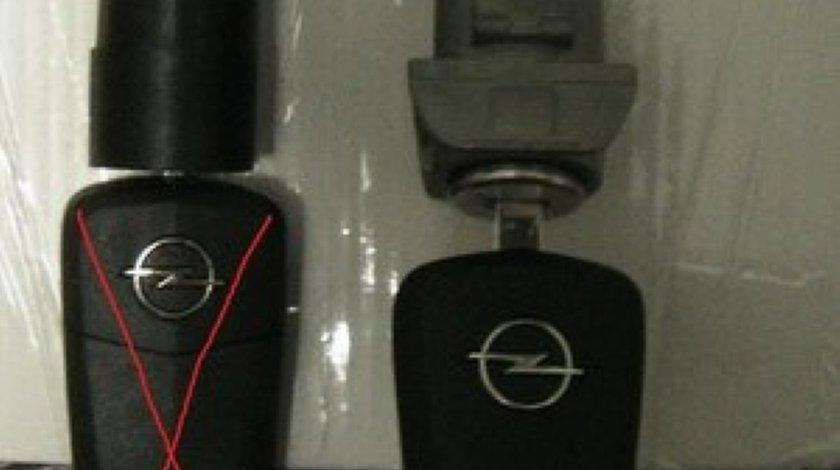 KIT incuietori cu chei cu inchidere centr. pt. Opel Astra H / Zafira B