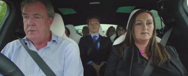 L-au obligat sa ia sase avocati in masina. Clarkson 'testeaza' noua Tesla Model X