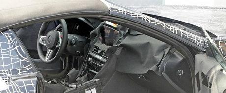 L-au prins cu usa deschisa si au profitat din plin de ocazie. Uite cum arata la interior noul BMW Seria 8