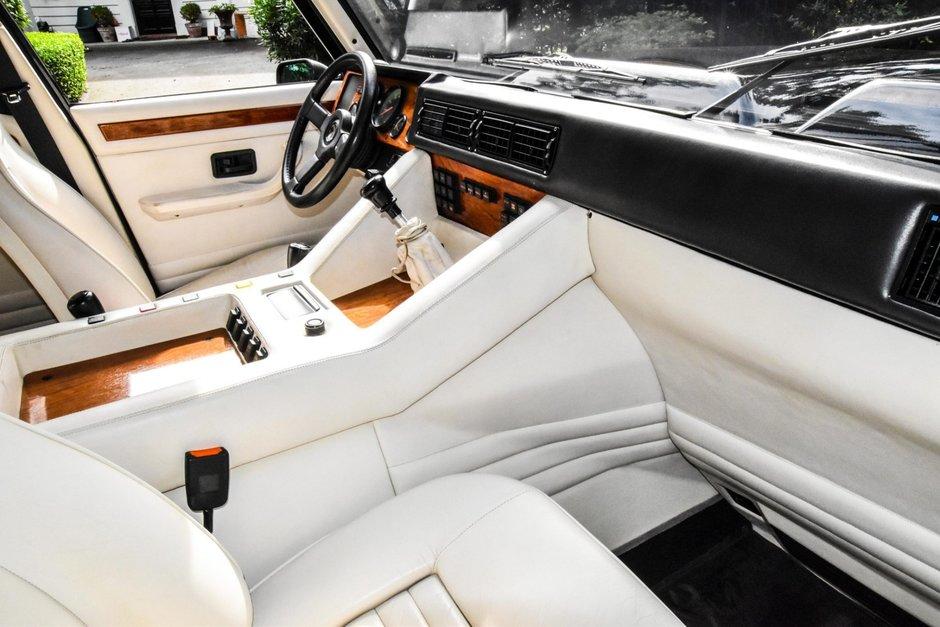 Lamborghini LM002 de vanzare