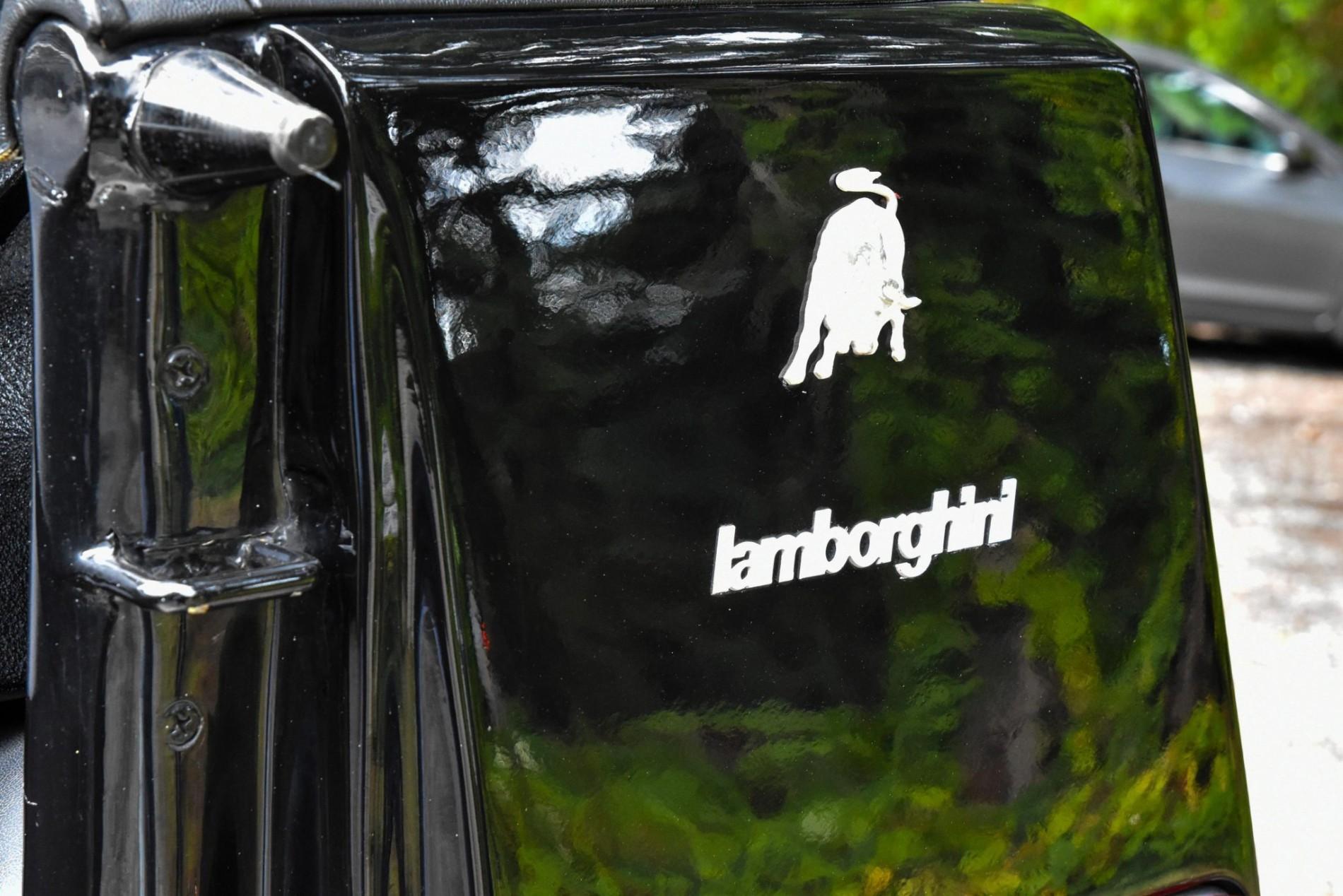 Lamborghini LM002 de vanzare - Lamborghini LM002 de vanzare