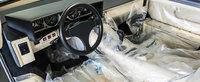 Lamborghini-ul visurilor tale a fost scos la vanzare. Are numai 135 de km la bord si folia de plastic originala pe scaune