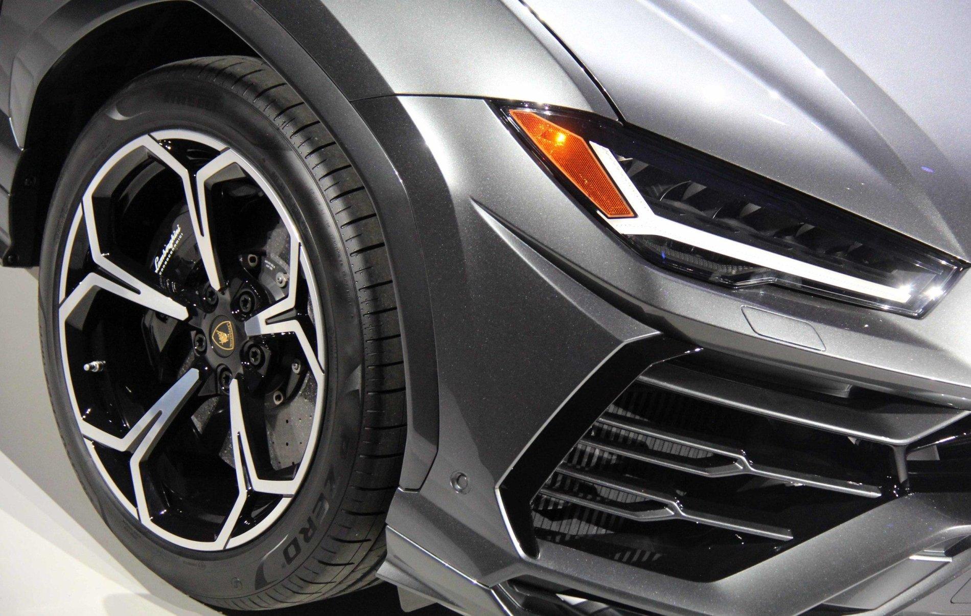 Lamborghini Urus - Poze Reale - Lamborghini Urus - Poze Reale