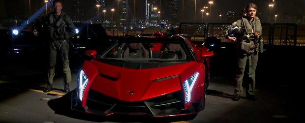 Lamborghini Veneno Roadster, lansare spectaculoasa pe un portavion din Abu Dhabi!