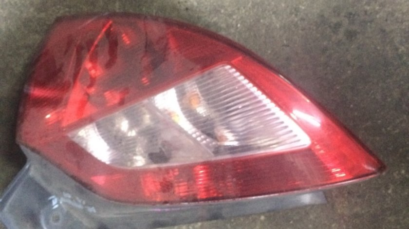 Lampa dreapta spate renault megane2 hatchback 1.4, 60kw/82cp, 2004, cod motor K4J732