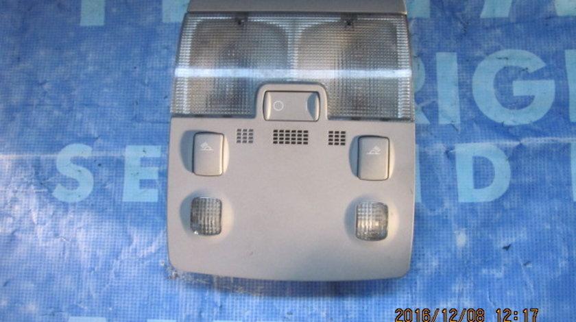 Lampa plafoniera Audi A4; 8E0951177