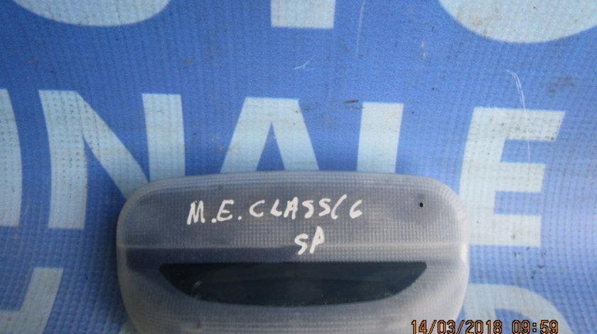 Lampa plafoniera Mercedes E220 W210 ; 2108201401 (spate)