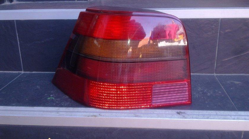 Lampa spate stanga vw golf 4 2002