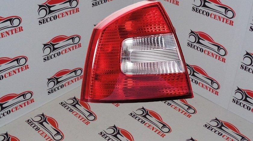 Lampa spate stop Skoda Octavia 2 2008 2009 2010 2011 2012 stanga