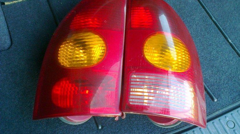 Lampa stop stanga, dreapta tripla spate renault megane 1 break 1998-2003