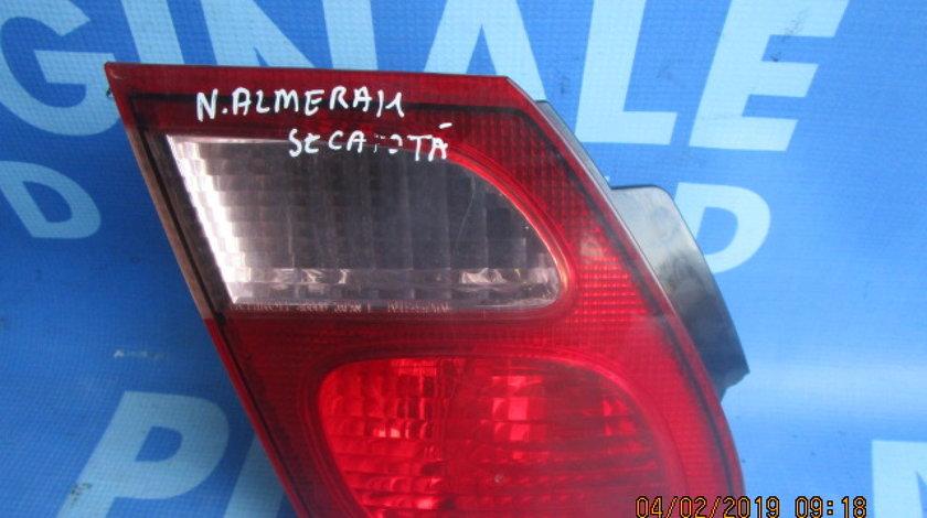 Lampi spate Nissan Almera (fisurata)