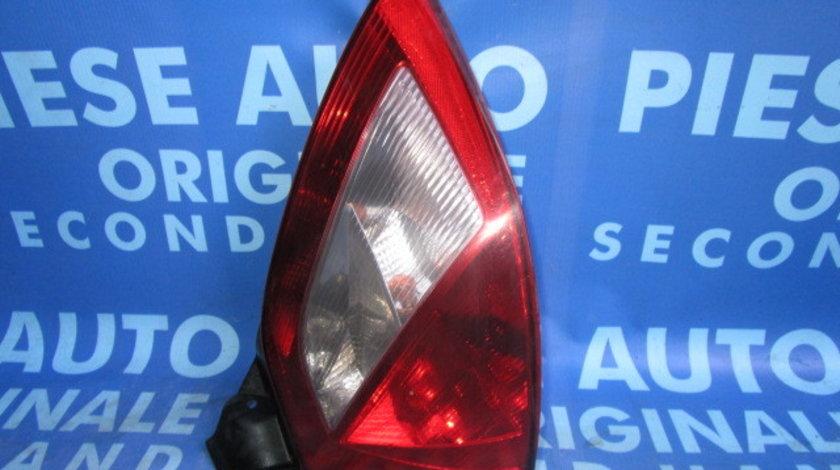 Lampi spate Renault Megane ; 8200073237//8200073236; hatchback