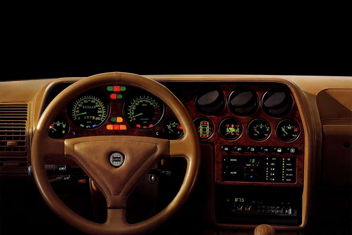Lancia Thema 8.32 - Lancia Thema 8.32