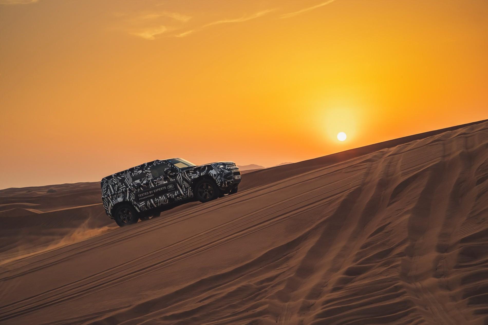 Land Rover Defender - Land Rover Defender
