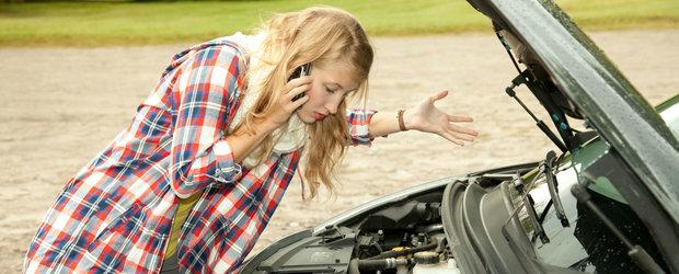 Le facem zilnic la volan si ne strica masina: 10 obiceiuri de care trebuie sa scapam