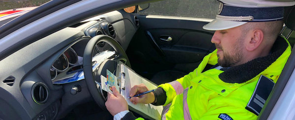 Legea a fost adoptata: soferii isi vor putea alege perioada in care sa stea fara permisul de conducere
