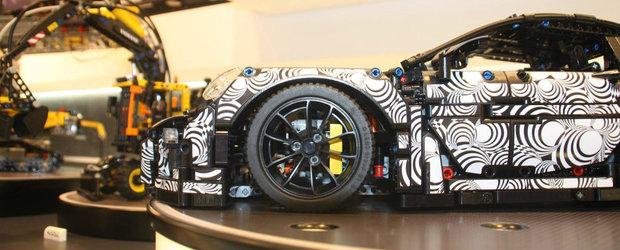 LEGO Technic lanseaza un prototip Porsche 911 GT3 RS. Complet camuflat, bineinteles.