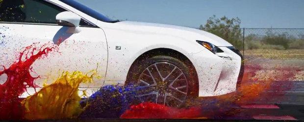 Lexus apeleaza la o ploaie de culori pentru a promova noul RC cu tractiune integrala