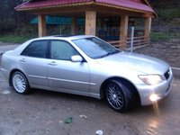 Lexus Seria IS IS200 2.0 2002
