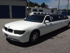 Lincoln Town Car transformat in BMW Seria 7