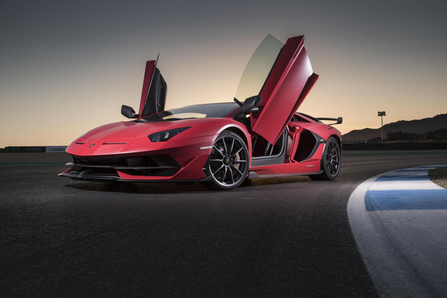 LISTA ACTUALIZATA cu zeii industriei auto. Cele mai rapide 10 masini de serie de pe NURBURGRING - LISTA ACTUALIZATA cu zeii industriei auto. Cele mai rapide 10 masini de serie de pe NURBURGRING