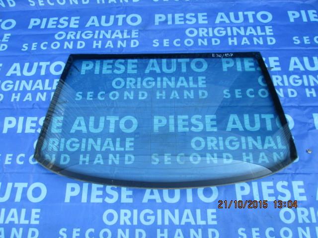 Luneta BMW E36 ;Sedan