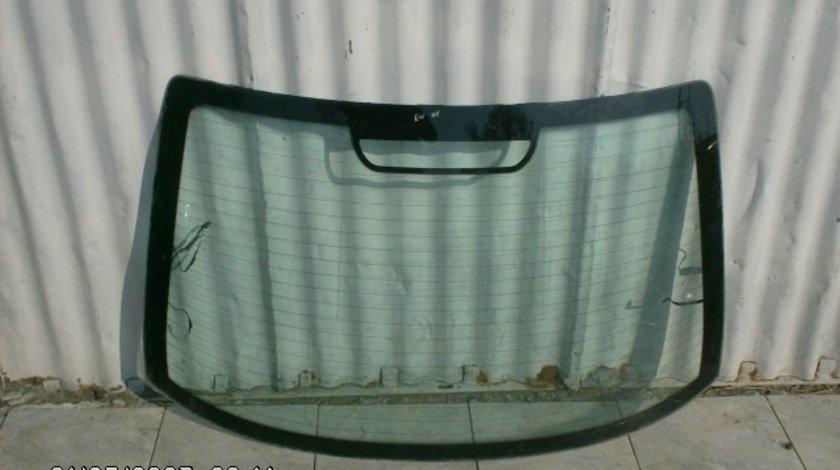 Luneta BMW E46 2003; SedaN