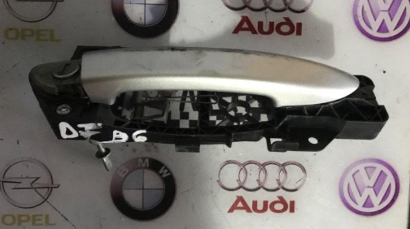 Mâner usa dreapta fata Volkswagen Passat B6