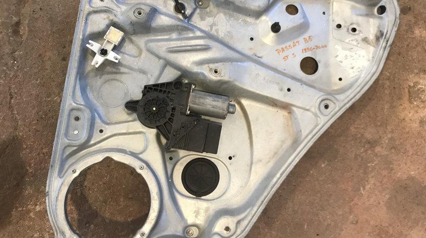 Macara cu motoras geam electric dreapta spate vw passat b5 1997 - 2005 cod: 3b5839756c