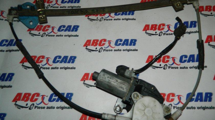 Macara cu motoras geam usa dreapta fata Seat Toledo cod: 0130821666 model 1997