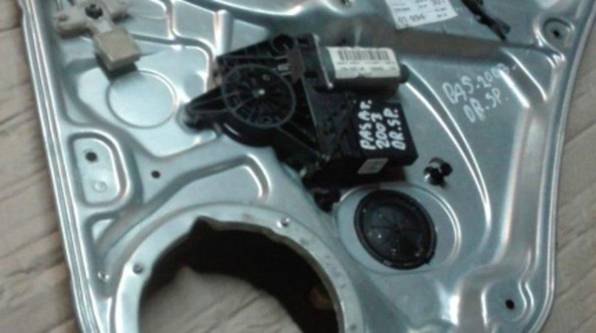 Macara electrica dreapta spate completa VW Passat B5.5 2003