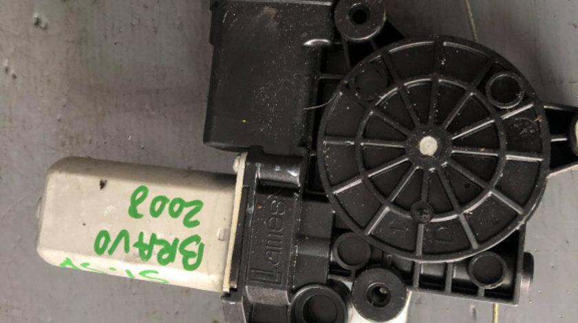 Macara geam cu motoras stanga spate fiat bravo 51779573