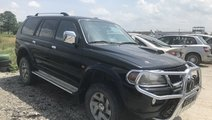 Macara geam dreapta fata Mitsubishi Pajero 2004 su...